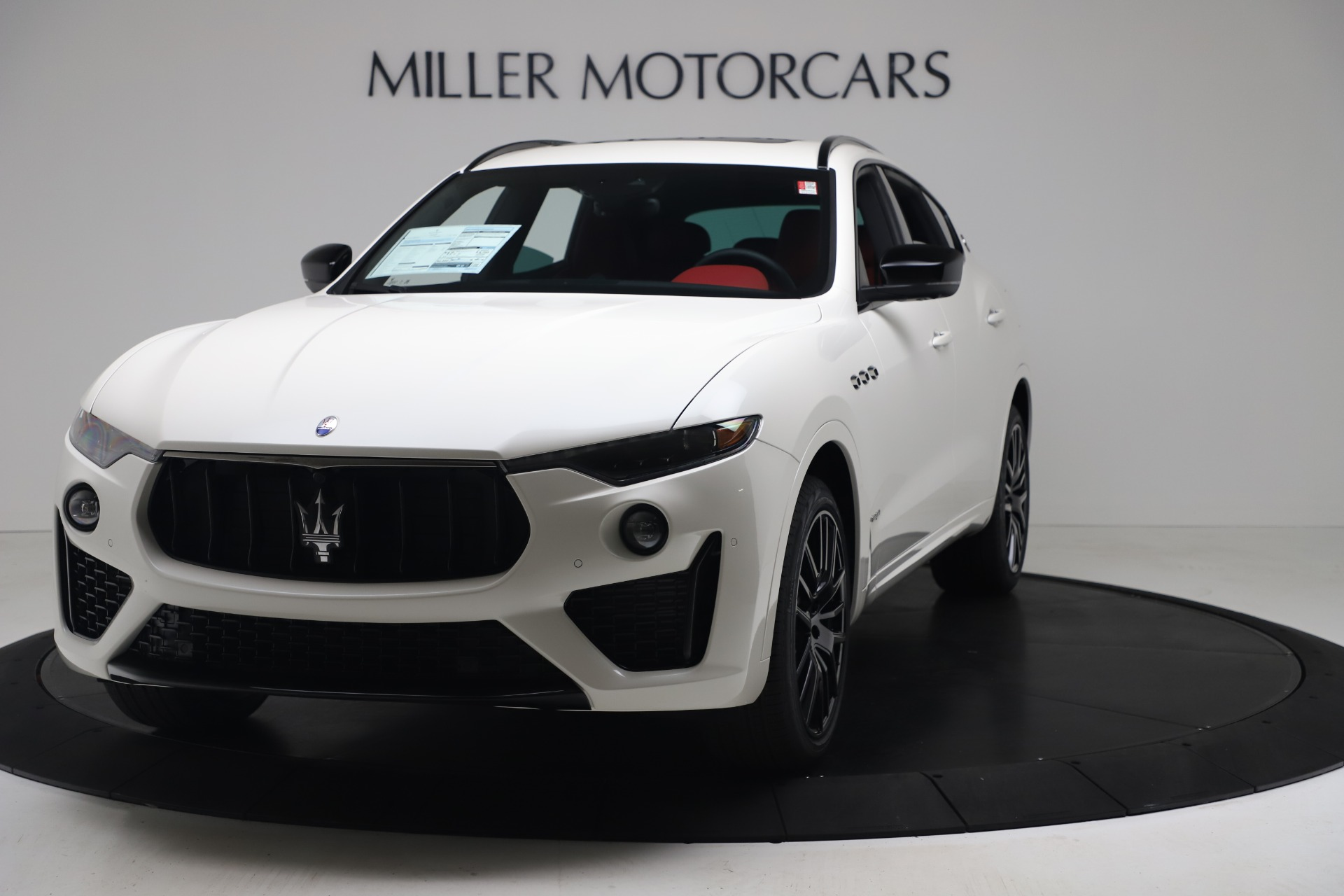 New 2020 Maserati Levante S Q4 GranSport for sale $104,485 at Alfa Romeo of Greenwich in Greenwich CT 06830 1