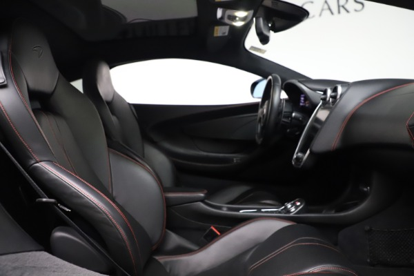 Used 2017 McLaren 570GT for sale $145,900 at Alfa Romeo of Greenwich in Greenwich CT 06830 13