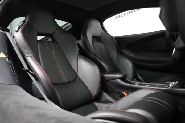 Used 2017 McLaren 570GT for sale $145,900 at Alfa Romeo of Greenwich in Greenwich CT 06830 14