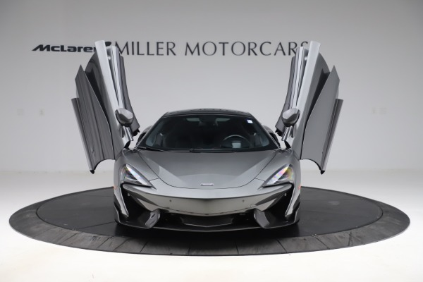 Used 2017 McLaren 570GT for sale $145,900 at Alfa Romeo of Greenwich in Greenwich CT 06830 7
