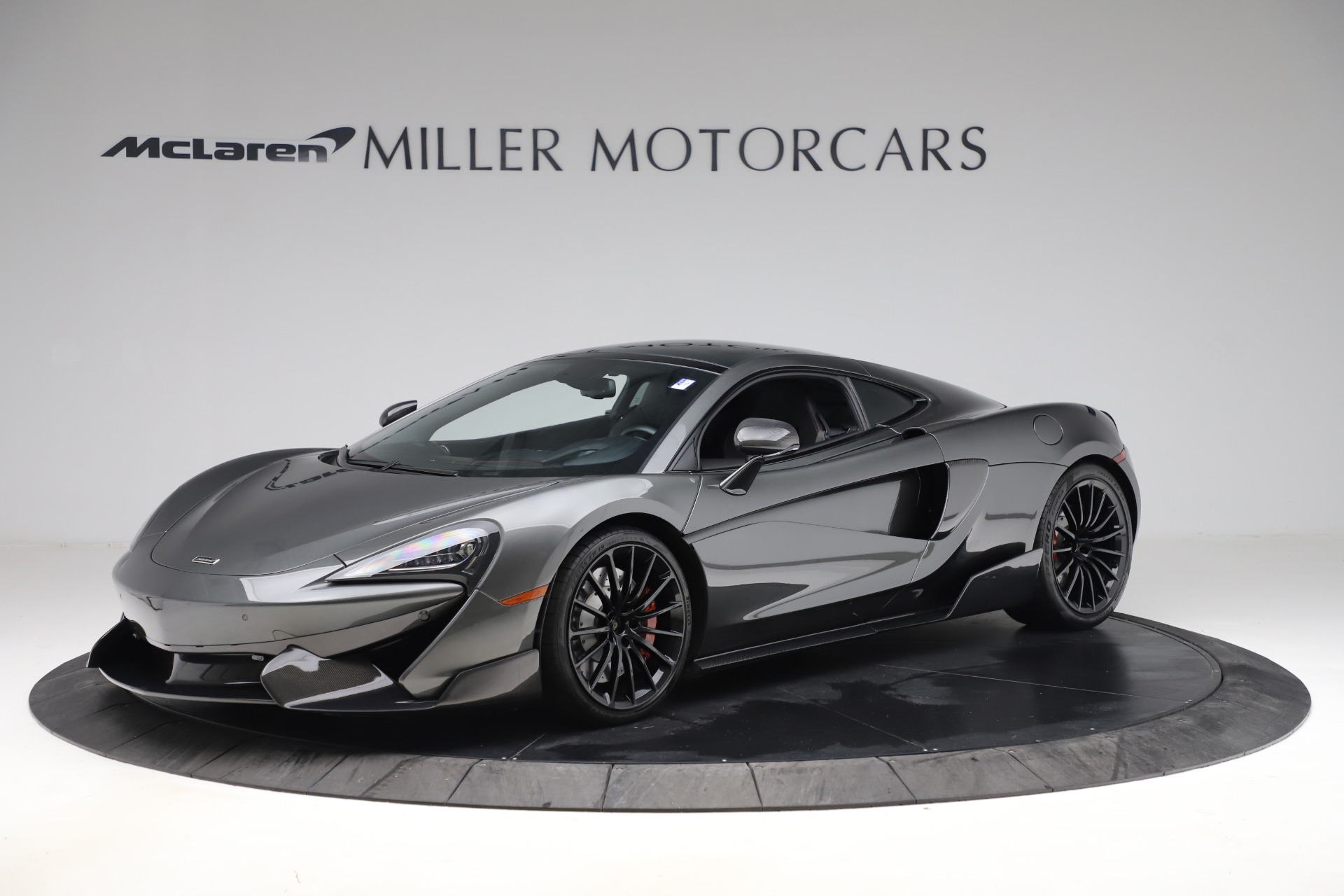 Used 2017 McLaren 570GT for sale $145,900 at Alfa Romeo of Greenwich in Greenwich CT 06830 1
