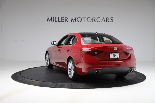 Used 2020 Alfa Romeo Giulia Q4 for sale Sold at Alfa Romeo of Greenwich in Greenwich CT 06830 5
