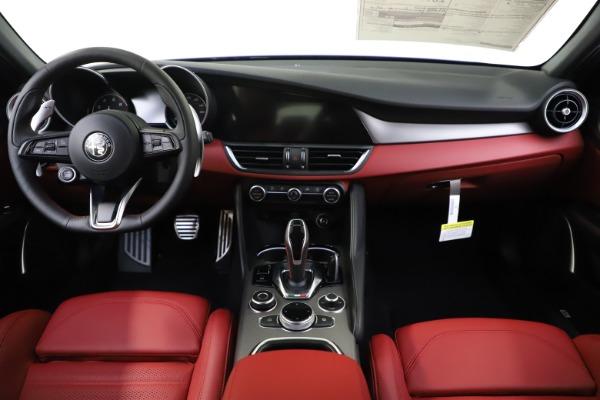 New 2020 Alfa Romeo Giulia Ti Sport Q4 for sale $50,445 at Alfa Romeo of Greenwich in Greenwich CT 06830 15