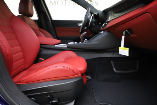 New 2020 Alfa Romeo Giulia Ti Sport Q4 for sale $50,445 at Alfa Romeo of Greenwich in Greenwich CT 06830 22