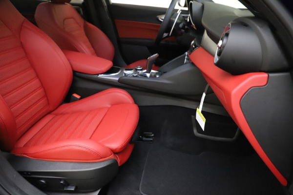 New 2020 Alfa Romeo Giulia Ti Sport Q4 for sale $50,445 at Alfa Romeo of Greenwich in Greenwich CT 06830 23