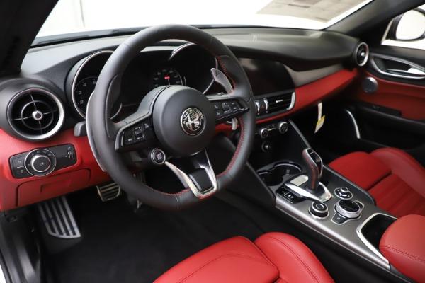 New 2020 Alfa Romeo Giulia Ti Sport Q4 for sale $51,995 at Alfa Romeo of Greenwich in Greenwich CT 06830 13