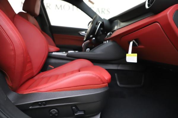 New 2020 Alfa Romeo Giulia Ti Sport Q4 for sale $51,995 at Alfa Romeo of Greenwich in Greenwich CT 06830 24