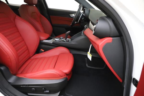 New 2020 Alfa Romeo Giulia Ti Sport Q4 for sale $51,995 at Alfa Romeo of Greenwich in Greenwich CT 06830 25