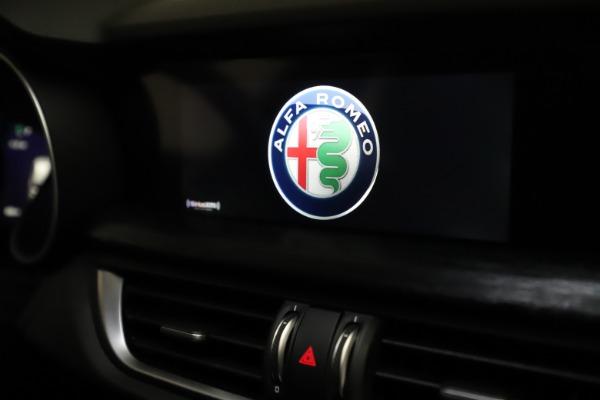New 2020 Alfa Romeo Stelvio Q4 for sale $36,900 at Alfa Romeo of Greenwich in Greenwich CT 06830 28