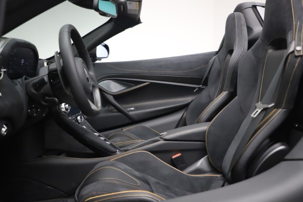 New 2020 McLaren 720S Spider Performance for sale $384,930 at Alfa Romeo of Greenwich in Greenwich CT 06830 23