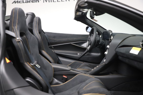 New 2020 McLaren 720S Spider Performance for sale $384,930 at Alfa Romeo of Greenwich in Greenwich CT 06830 26