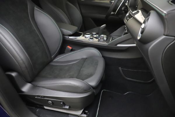 New 2020 Alfa Romeo Stelvio Quadrifoglio for sale $88,845 at Alfa Romeo of Greenwich in Greenwich CT 06830 24