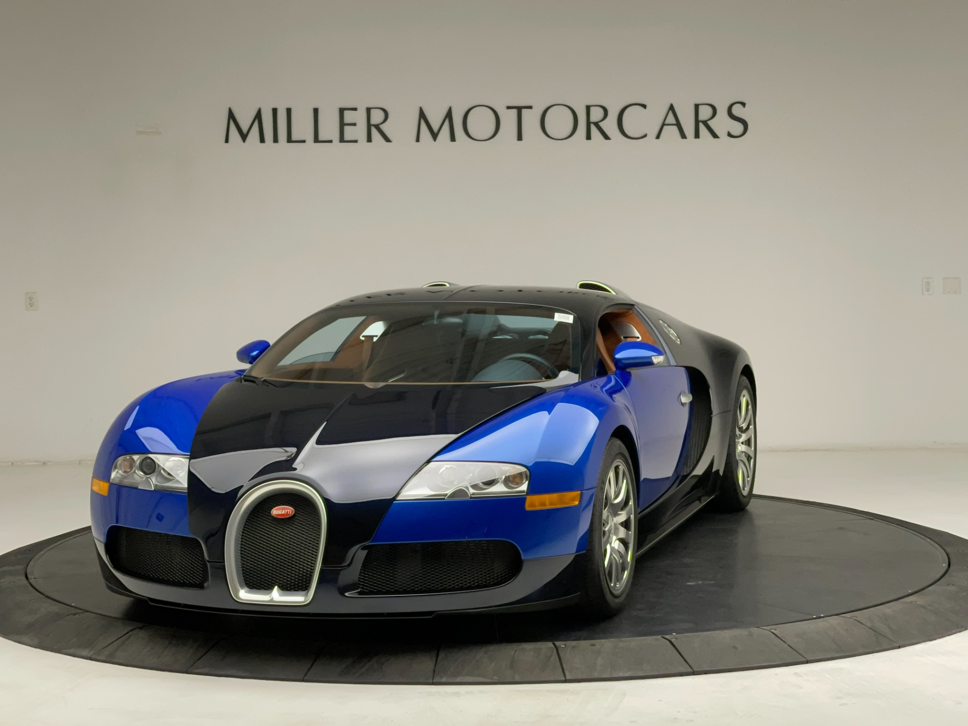 Used 2008 Bugatti Veyron 16.4 Base for sale Call for price at Alfa Romeo of Greenwich in Greenwich CT 06830 1