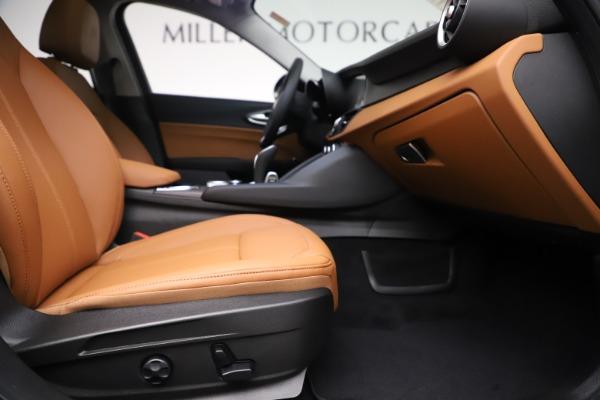 New 2020 Alfa Romeo Giulia Ti Q4 for sale $51,145 at Alfa Romeo of Greenwich in Greenwich CT 06830 23