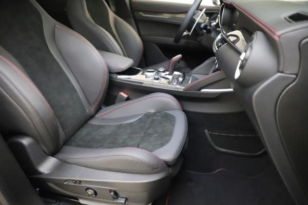 New 2020 Alfa Romeo Stelvio Quadrifoglio for sale $88,390 at Alfa Romeo of Greenwich in Greenwich CT 06830 24