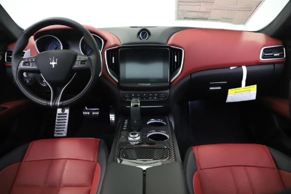 New 2020 Maserati Ghibli S Q4 GranSport for sale $94,785 at Alfa Romeo of Greenwich in Greenwich CT 06830 16
