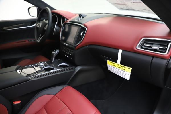 New 2020 Maserati Ghibli S Q4 GranSport for sale $94,785 at Alfa Romeo of Greenwich in Greenwich CT 06830 22