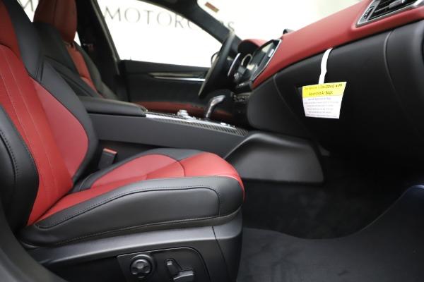 New 2020 Maserati Ghibli S Q4 GranSport for sale $94,785 at Alfa Romeo of Greenwich in Greenwich CT 06830 23