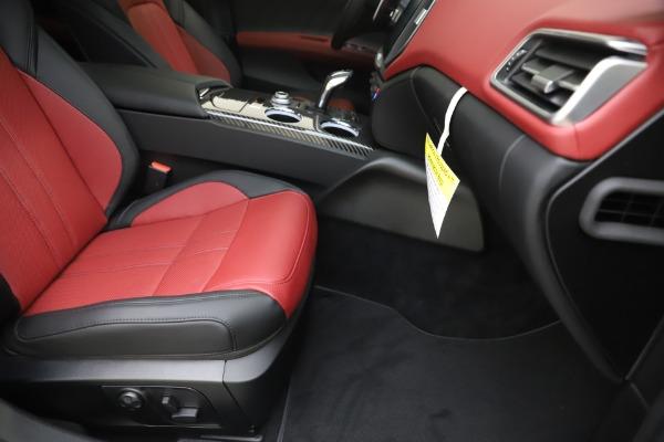 New 2020 Maserati Ghibli S Q4 GranSport for sale $94,785 at Alfa Romeo of Greenwich in Greenwich CT 06830 24