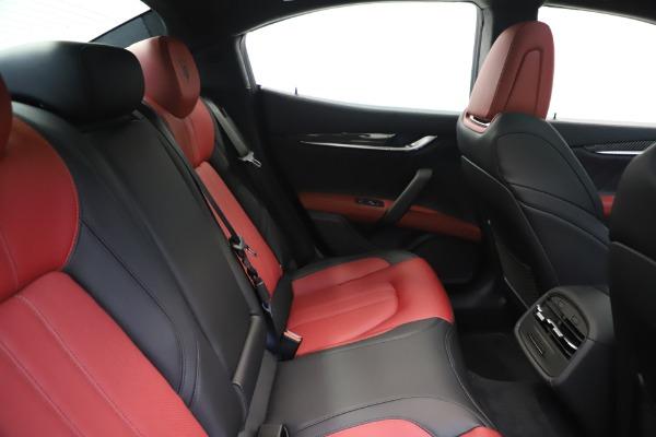 New 2020 Maserati Ghibli S Q4 GranSport for sale $94,785 at Alfa Romeo of Greenwich in Greenwich CT 06830 27