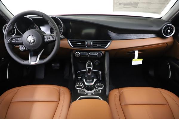 New 2020 Alfa Romeo Giulia Q4 for sale $46,395 at Alfa Romeo of Greenwich in Greenwich CT 06830 16