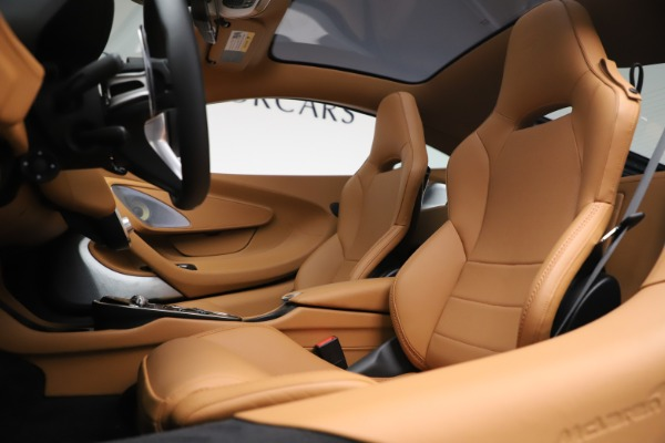 New 2020 McLaren GT Luxe for sale $236,675 at Alfa Romeo of Greenwich in Greenwich CT 06830 16