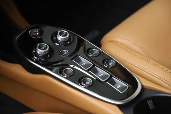Used 2020 McLaren GT Luxe for sale Call for price at Alfa Romeo of Greenwich in Greenwich CT 06830 18