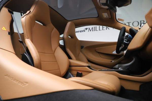 Used 2020 McLaren GT Luxe for sale Call for price at Alfa Romeo of Greenwich in Greenwich CT 06830 21