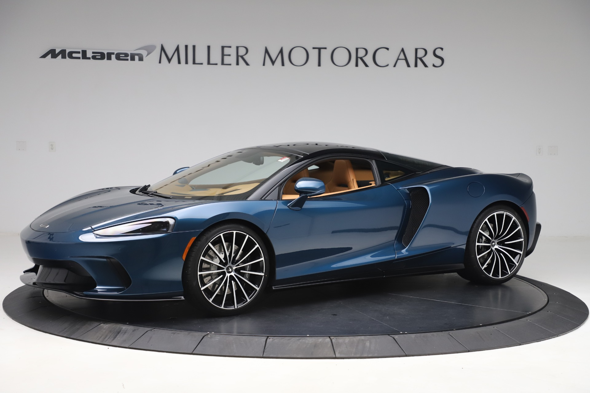 New 2020 McLaren GT Coupe for sale $236,675 at Alfa Romeo of Greenwich in Greenwich CT 06830 1