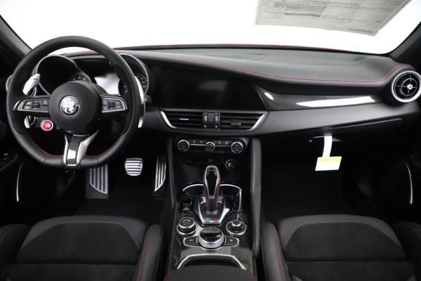 New 2020 Alfa Romeo Giulia Quadrifoglio for sale $83,590 at Alfa Romeo of Greenwich in Greenwich CT 06830 16