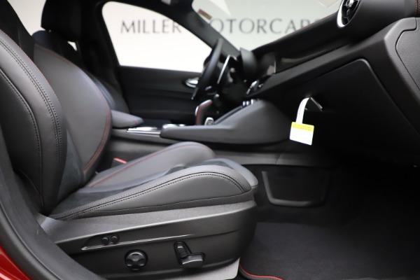 New 2020 Alfa Romeo Giulia Quadrifoglio for sale $83,590 at Alfa Romeo of Greenwich in Greenwich CT 06830 23