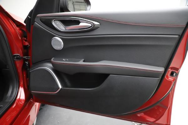 New 2020 Alfa Romeo Giulia Quadrifoglio for sale $83,590 at Alfa Romeo of Greenwich in Greenwich CT 06830 25
