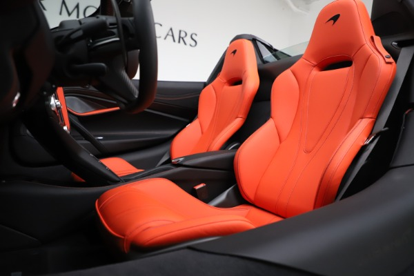 New 2020 McLaren 720S Spider Performance for sale $386,289 at Alfa Romeo of Greenwich in Greenwich CT 06830 21