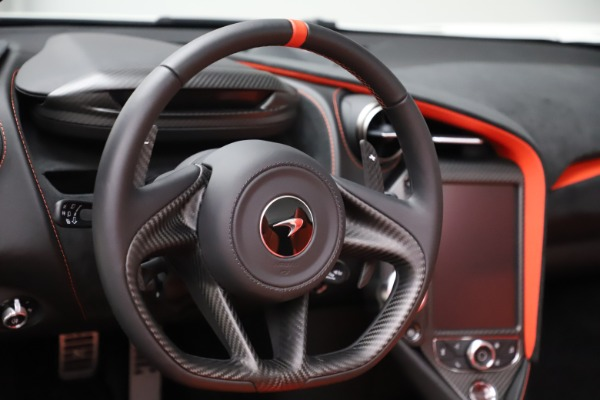 New 2020 McLaren 720S Spider Performance for sale $386,289 at Alfa Romeo of Greenwich in Greenwich CT 06830 22