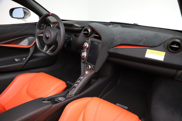 New 2020 McLaren 720S Spider Performance for sale $386,289 at Alfa Romeo of Greenwich in Greenwich CT 06830 23
