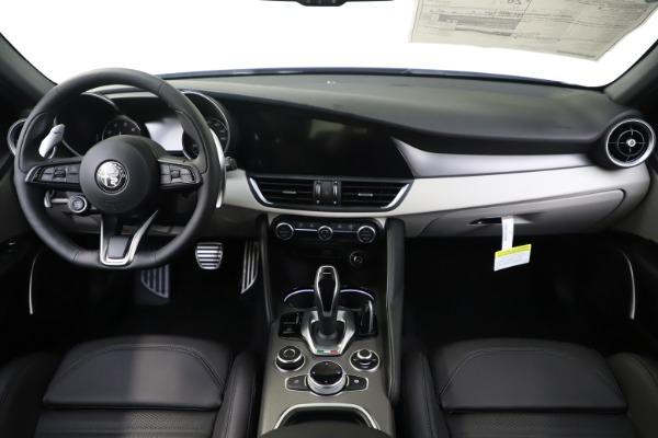 New 2020 Alfa Romeo Giulia Ti Sport Q4 for sale $51,095 at Alfa Romeo of Greenwich in Greenwich CT 06830 16
