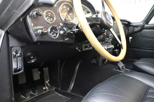 Used 1964 Aston Martin DB5 for sale Call for price at Alfa Romeo of Greenwich in Greenwich CT 06830 18