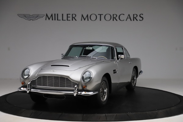 Used 1964 Aston Martin DB5 for sale Call for price at Alfa Romeo of Greenwich in Greenwich CT 06830 2