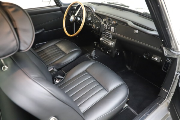 Used 1964 Aston Martin DB5 for sale Call for price at Alfa Romeo of Greenwich in Greenwich CT 06830 24