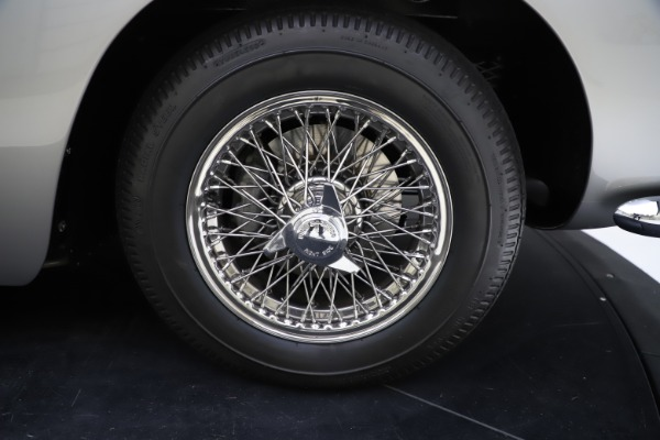 Used 1964 Aston Martin DB5 for sale Call for price at Alfa Romeo of Greenwich in Greenwich CT 06830 28
