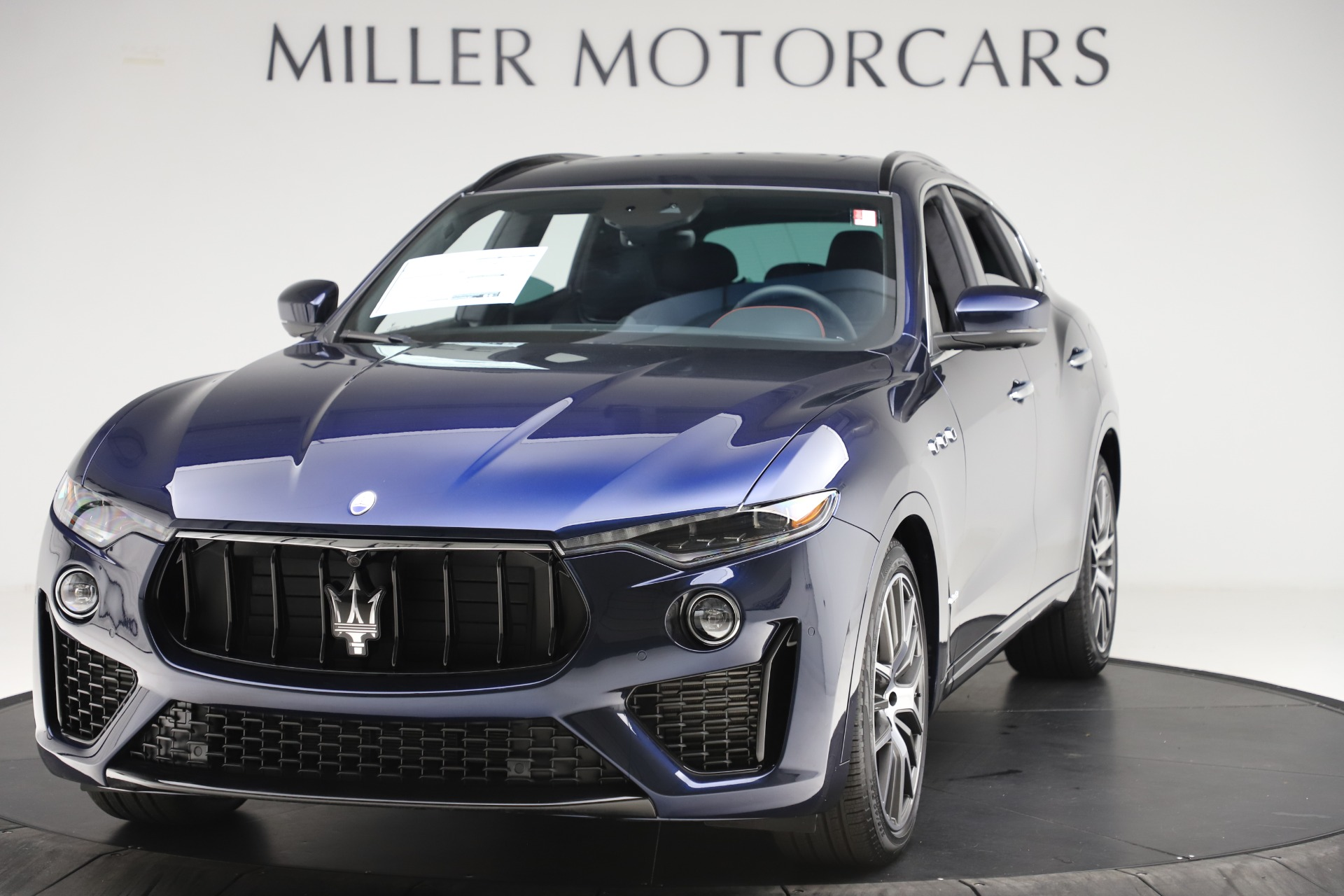 New 2019 Maserati Levante S GranSport for sale $110,855 at Alfa Romeo of Greenwich in Greenwich CT 06830 1
