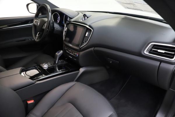 New 2019 Maserati Ghibli S Q4 for sale $91,165 at Alfa Romeo of Greenwich in Greenwich CT 06830 21