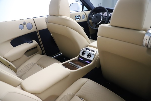 New 2020 Rolls-Royce Dawn for sale $382,100 at Alfa Romeo of Greenwich in Greenwich CT 06830 24
