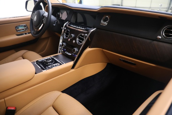 Used 2020 Rolls-Royce Cullinan for sale Call for price at Alfa Romeo of Greenwich in Greenwich CT 06830 16