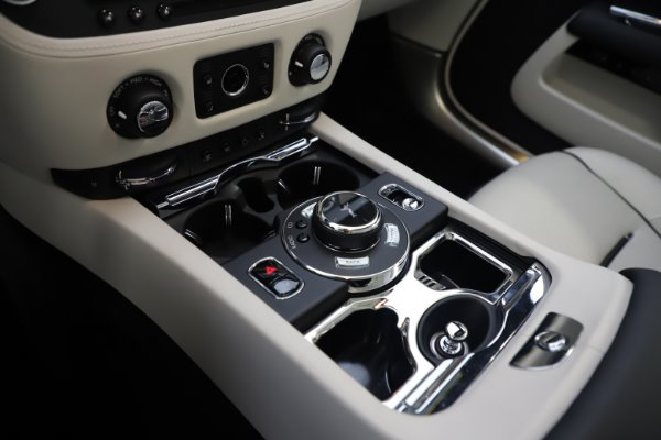 Used 2017 Rolls-Royce Dawn for sale Call for price at Alfa Romeo of Greenwich in Greenwich CT 06830 25