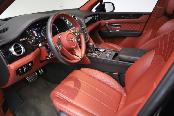 Used 2017 Bentley Bentayga W12 for sale $145,900 at Alfa Romeo of Greenwich in Greenwich CT 06830 17