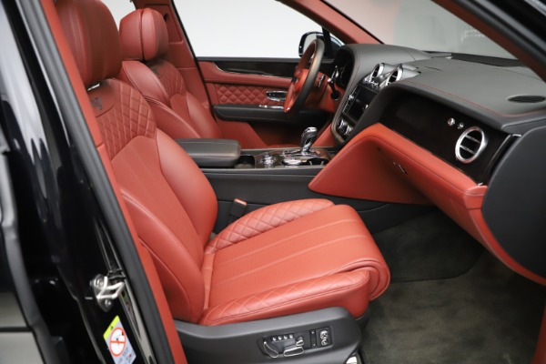 Used 2017 Bentley Bentayga W12 for sale $145,900 at Alfa Romeo of Greenwich in Greenwich CT 06830 26