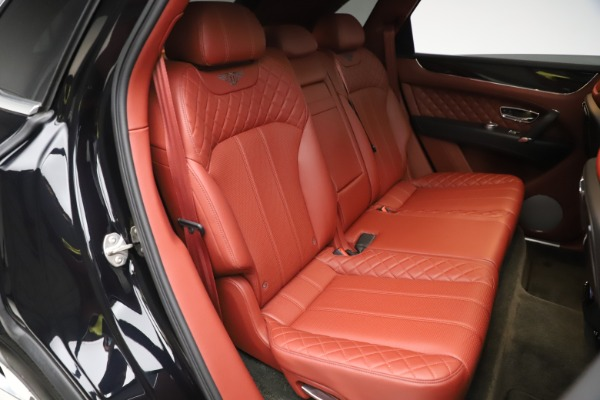 Used 2017 Bentley Bentayga W12 for sale $145,900 at Alfa Romeo of Greenwich in Greenwich CT 06830 28