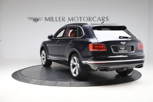 Used 2017 Bentley Bentayga W12 for sale $145,900 at Alfa Romeo of Greenwich in Greenwich CT 06830 5