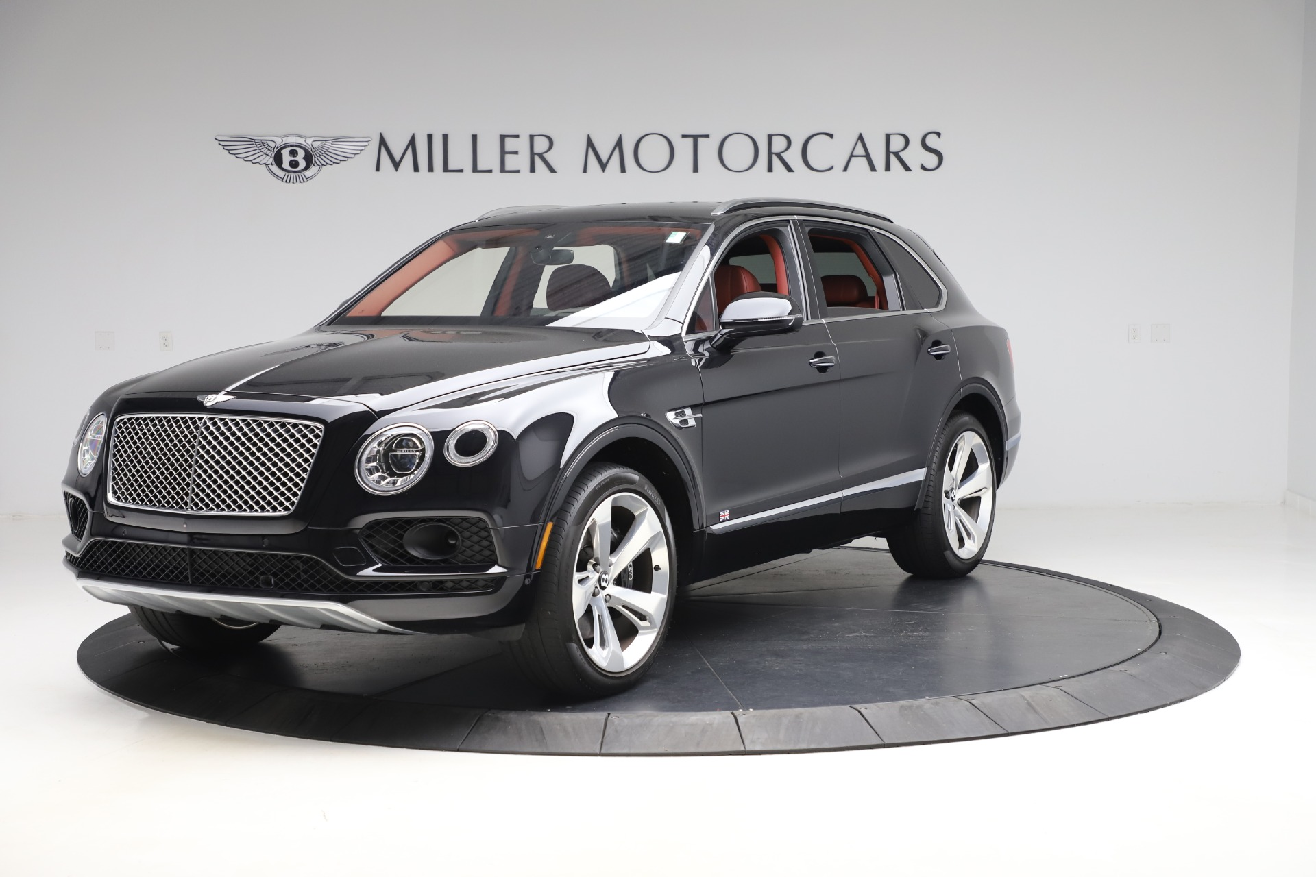 Used 2017 Bentley Bentayga W12 for sale $145,900 at Alfa Romeo of Greenwich in Greenwich CT 06830 1